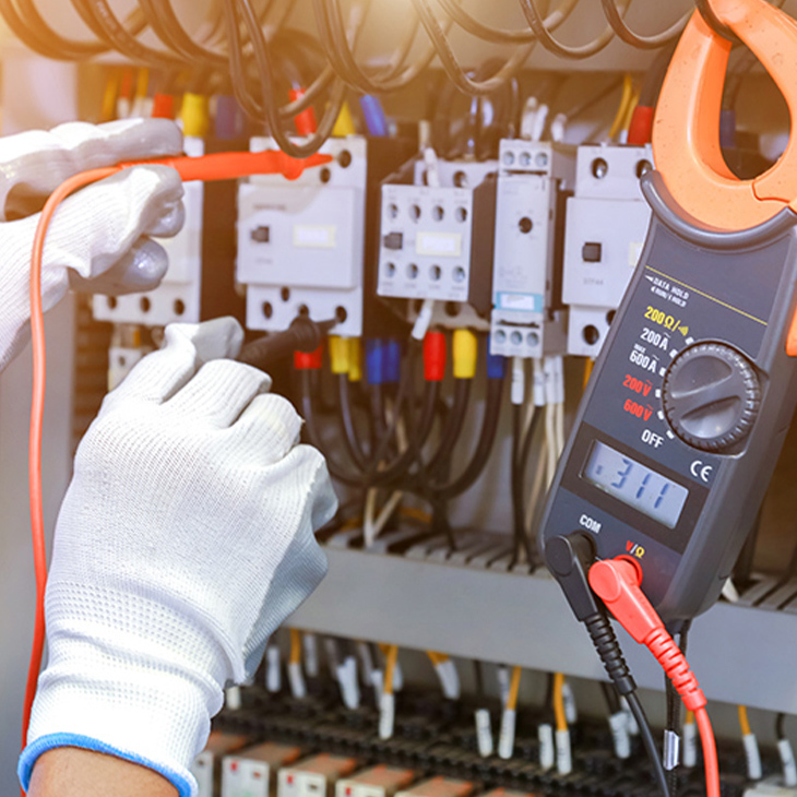 5 Tips For Choosing The Right Electrical Contractor For Your Construction Project